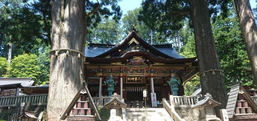三峯神社本殿